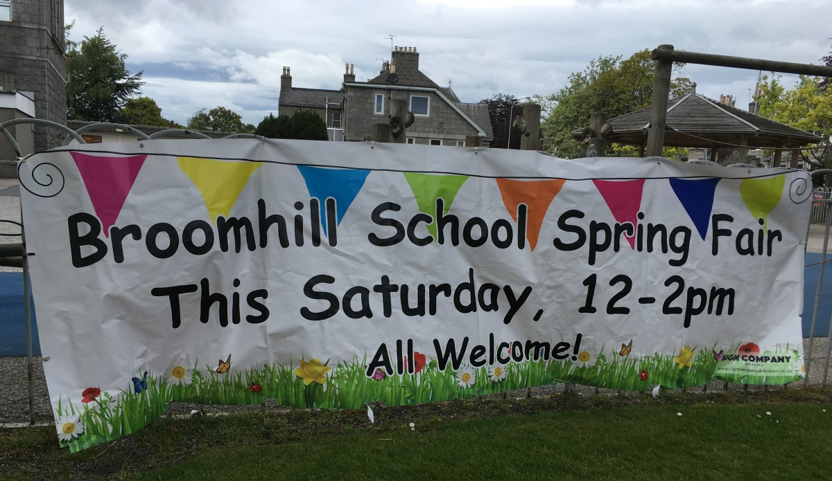 Photo of Broomhill School Fair sign